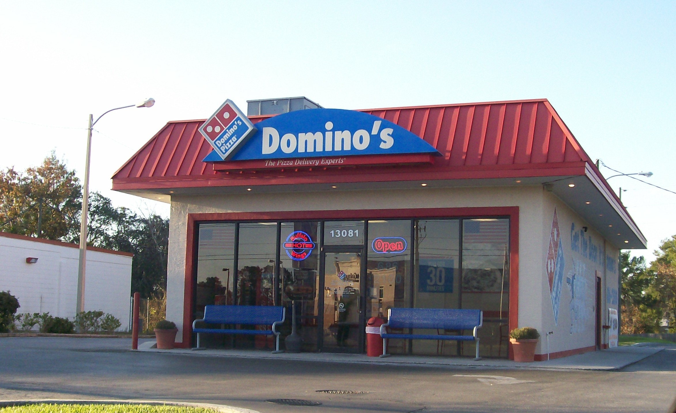 Domino's Pizza Fails to Comply with FLSA